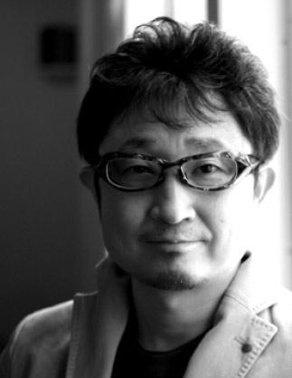 FACTORY900 est une marque japonaise fondée en 2000 par Yoshinori Aoyama.  Avec son équipe il s est donné pour mission de créer les montures du futur. 3a9b8682a45a